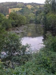 Río_Asón_a_su_paso_por_Udalla_(Ampuero,_Cantabria)